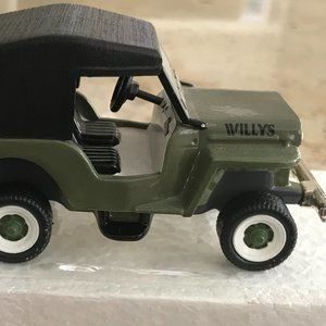 Department 56 Classic Cars 1954 Willy's C13 Jeep